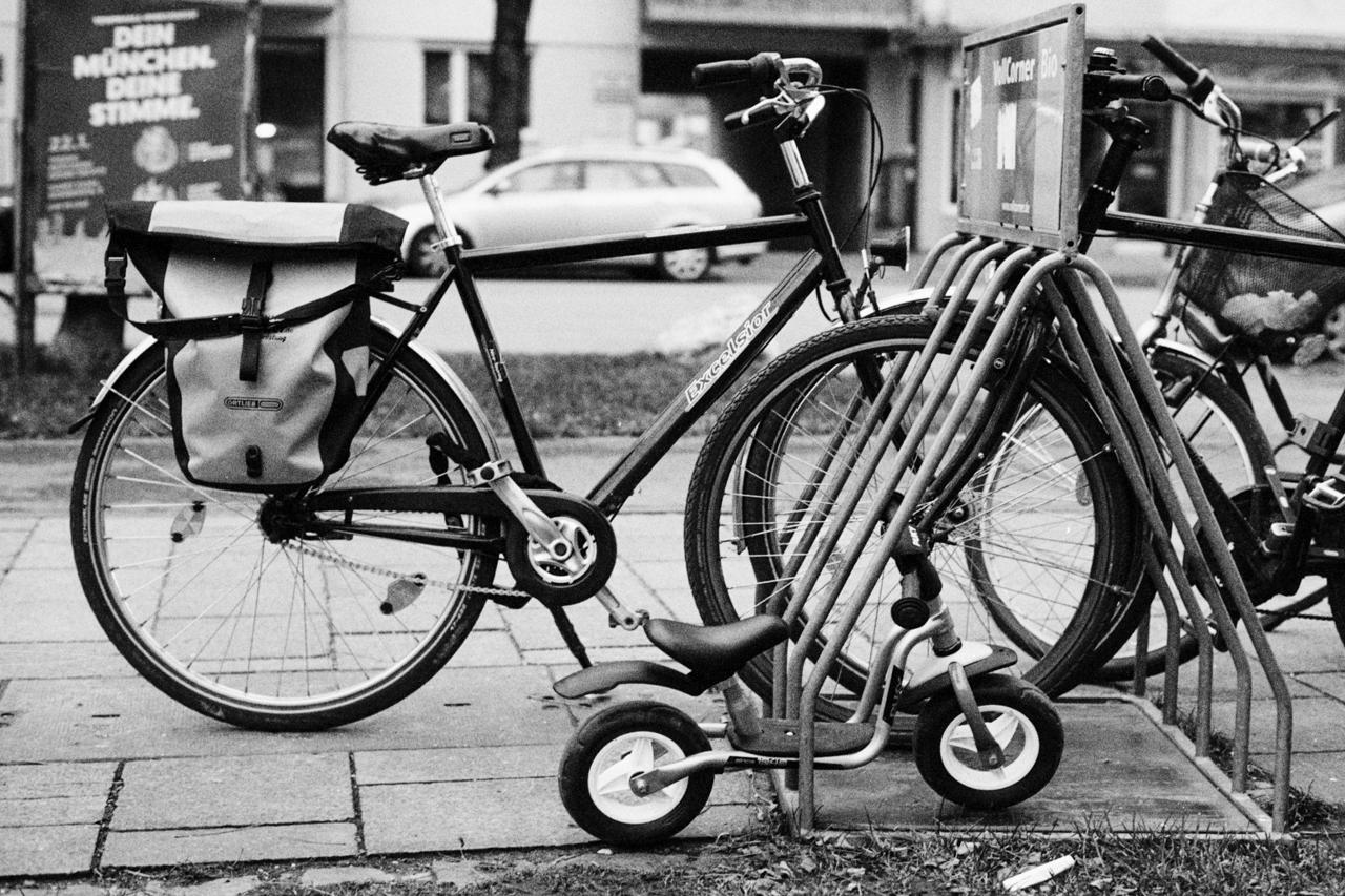 Fahrräder groß und klein
